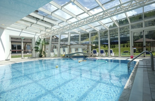 Resort carousel golf hotel folgaria pool
