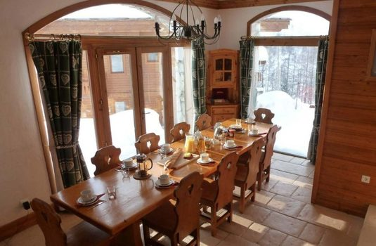 chalet-thomily-dining