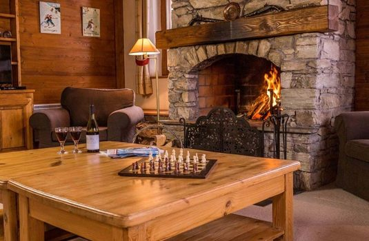chalet-thomily-fireplace