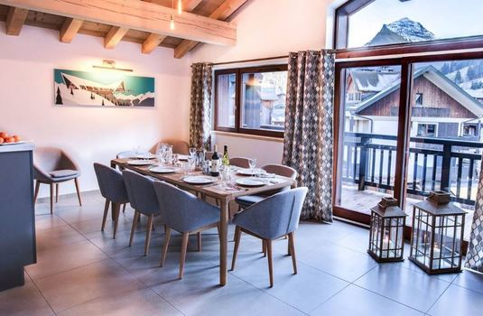 Chalet-chouette-dining2