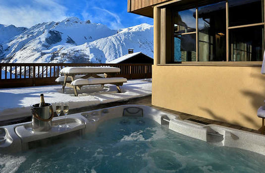 Resort carousel chalet cateline st martin de belleville hot tub