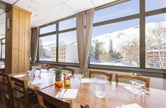 Hotel-club-MMV-le-panorama-resturant-with-view