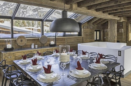 chalet-tapia-dining
