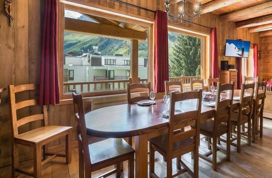 Resort carousel chalet thovex dining