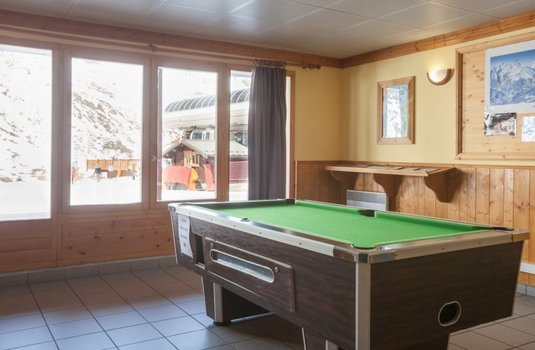 Resort carousel valmonts pool table