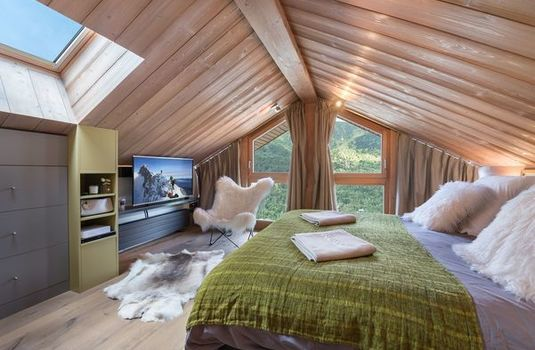 Resort carousel chalet bachal bedroom