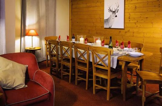 Chalet-Coulicou-dining-room