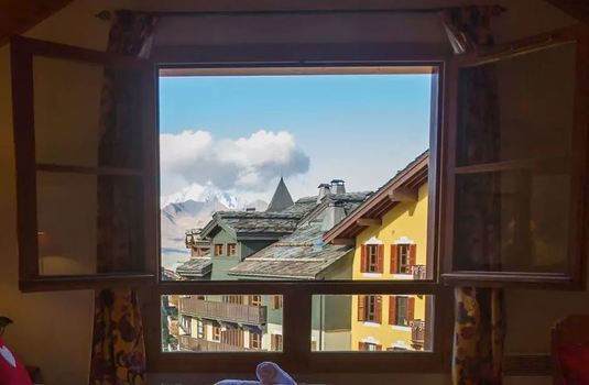 Chalet-Coulicou-bedroom-views