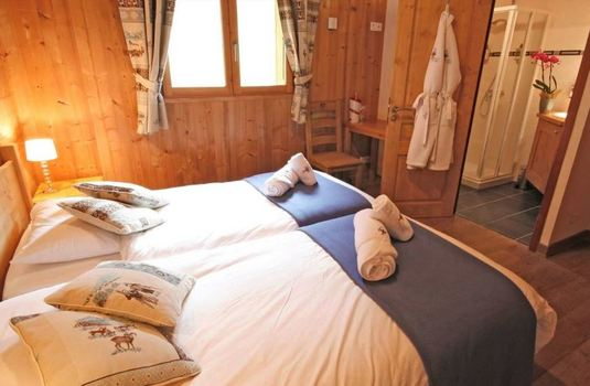 chalet-carin-lodge-bedroom2