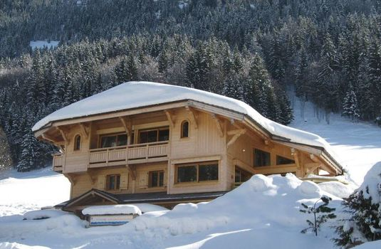 chalet-carin-lodge-exterior