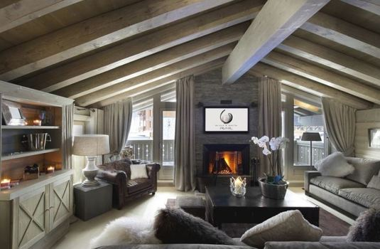 chalet-white-pearl-lounge