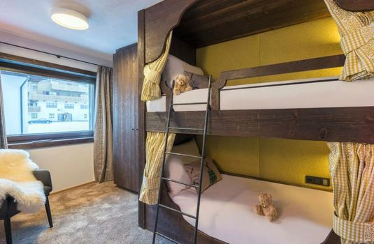 Nindus-apartment-3-bedroom-bunk