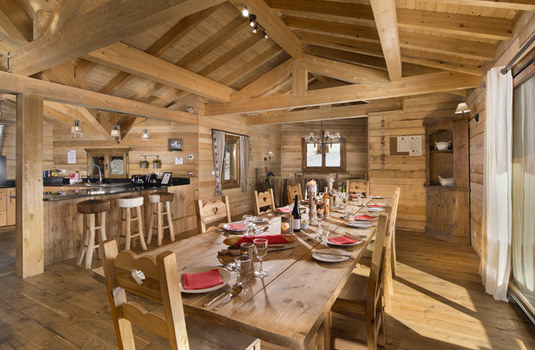 Chalet-Delphine-Dining-Table.jpg