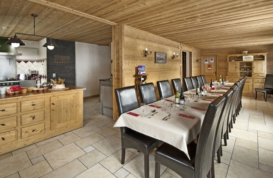 Chalet-Le-Marjorie-dining-room