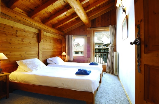 Resort carousel chalet bonneval update bedroom