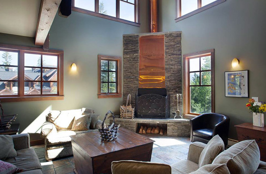 Copper Horse Lodge boutique hotel in Kicking Horse