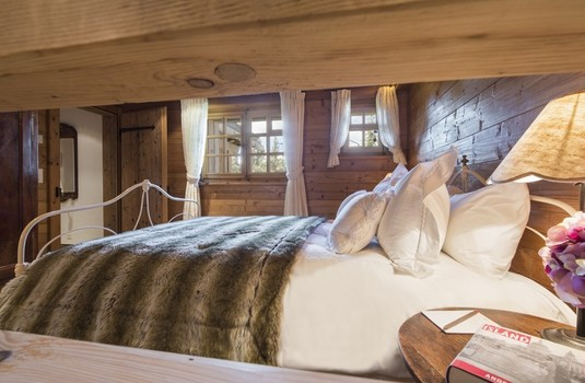 Chalet-Le-Ti-bedroom3