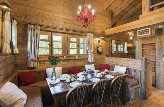Chalet-Le-Ti-dining-room2