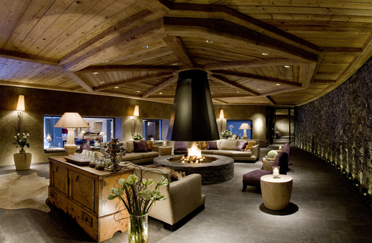 Gastaad-Palace-spa-lounge