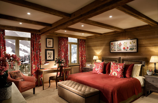 Gastaad-Palace-duluxe-suite