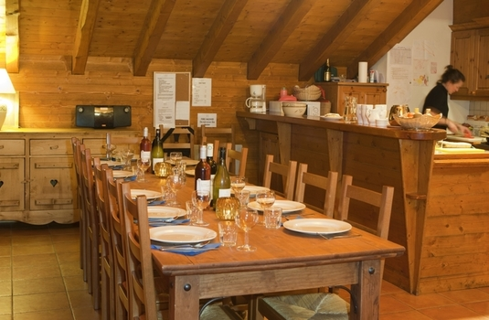 Chalet-Eva-kitchen