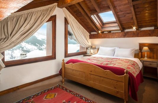 Resort carousel chalet du guide update bedroom