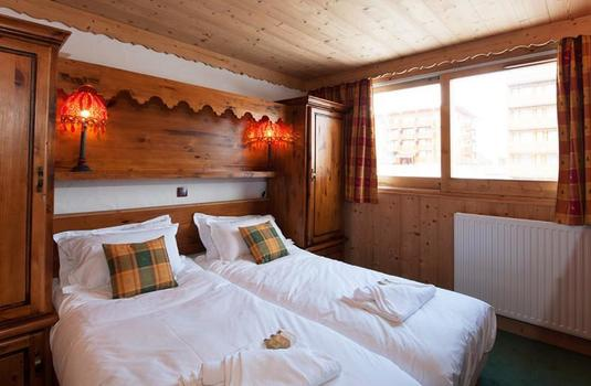 Chalet-Lily-update-bedroom3