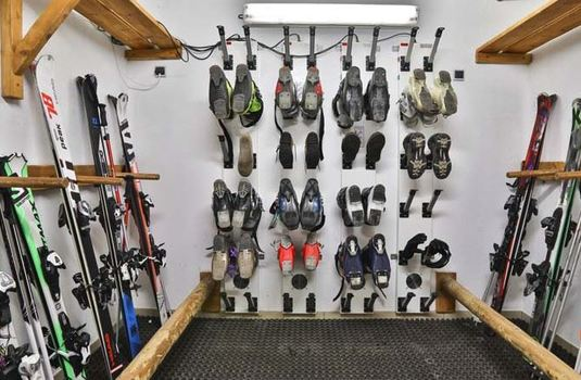 Resort carousel chalet annapurna ii boot room