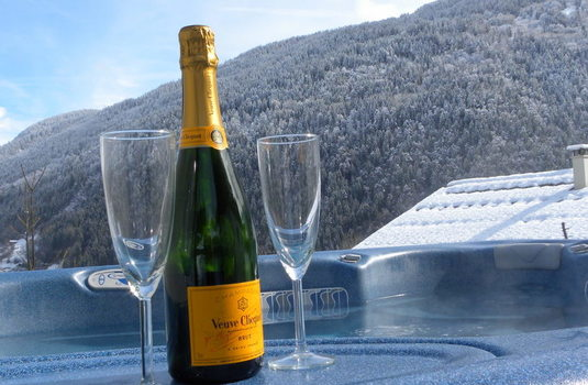 Resort carousel chalet mont blanc new hottub champagne