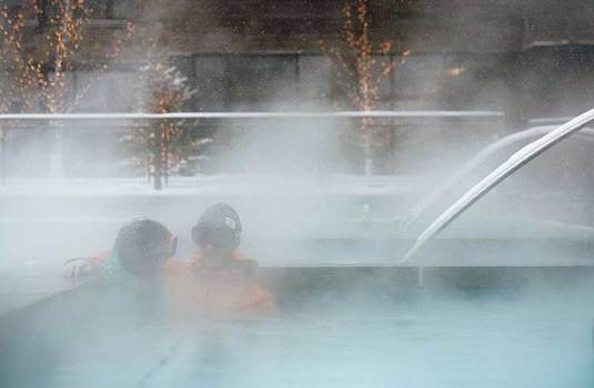 Resort carousel limelight snowmass hottub