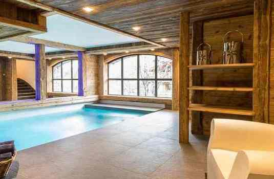 Chalet-La-Face-indoor-pool