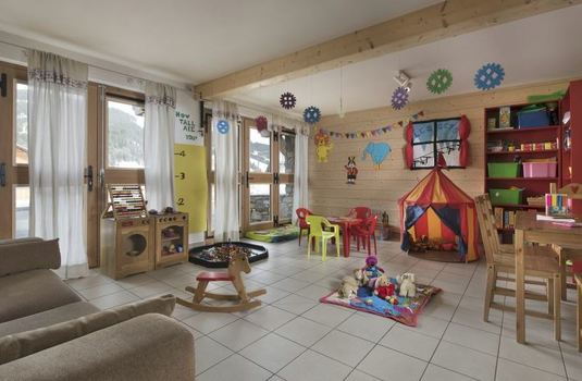 Resort carousel chalet grand mouflon play room2