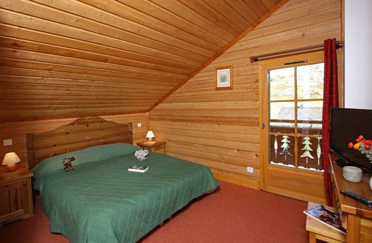 Resort carousel chalet des neiges double room