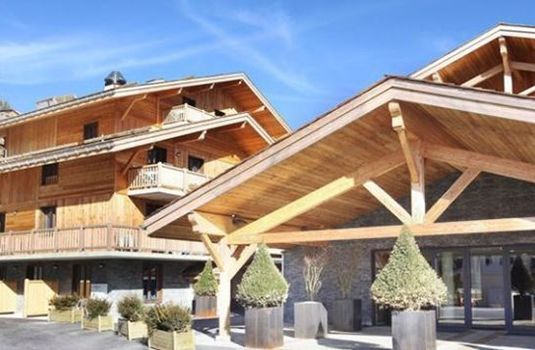 Resort carousel hotel le chamois exterior rs