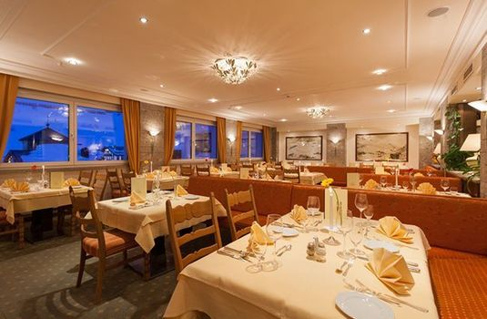 Hotel-Enzian-Dining-Room-RS