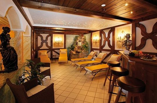 Resort carousel hotel enzian relaxation area rs