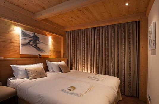 Chalet-Lucerne-Bedroom1-RS