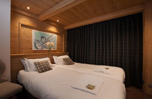 Chalet-Lucerne-Bedroom4-RS