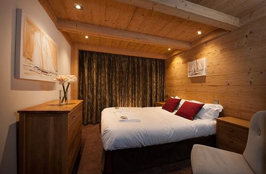 Chalet-Lucerne-Bedroom5-RS