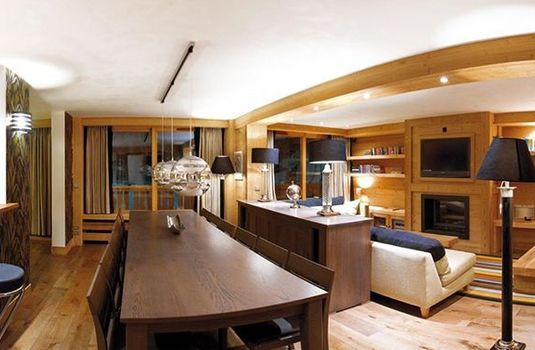 Chalet-Lucerne-Dining-Area-RS
