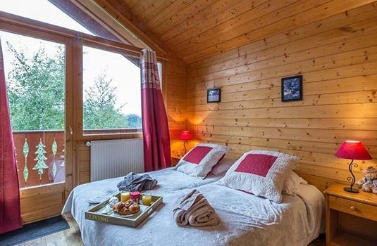 Chalet-White-Moustache-Double-Bedroom-RS