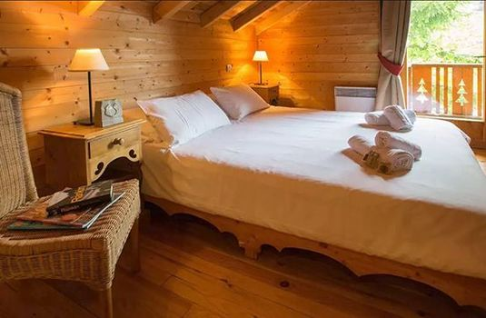 Chalet-Jennifer-Double-Bedroom-RS
