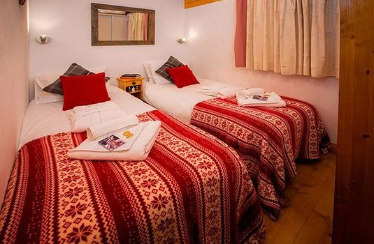 Chalet-Snowbel-Twin-Beds2R