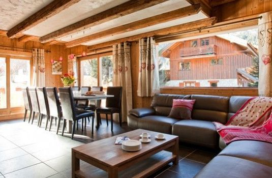 Chalet-Ecureuil-Seating