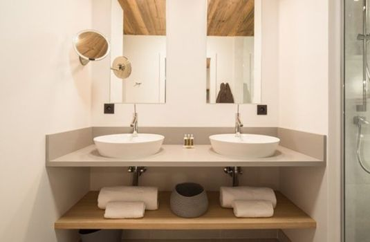 Chalet-Caro-Update-BathroomRS