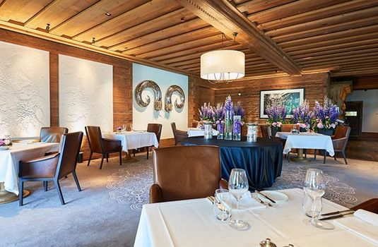 Resort carousel alpina gstaad dining2