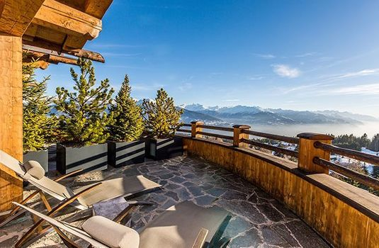 Resort carousel le crans bedroom sutie terracers