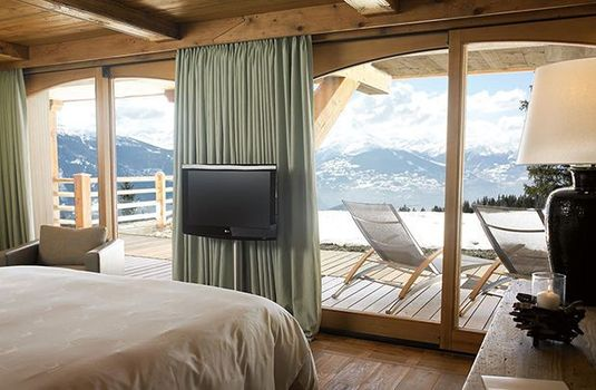 Resort carousel le crans bedroom viewrs