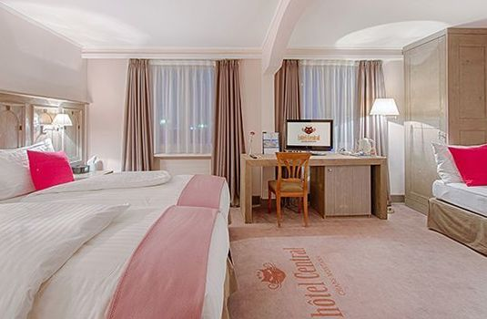 Hotel-Central-Family-BedroomRS