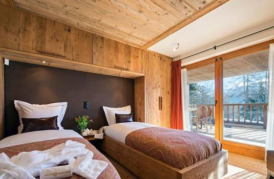 Dent-Blanche-Twin-BedroomRS